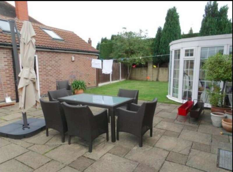 4 Bedrooms Detached House for rent in Bramcote Lane, NG8