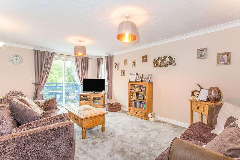 2 Bedrooms Apartment Flat for sale in Mountbatten Close, Ashton-on-Ribble, Preston, Lancashire, PR2