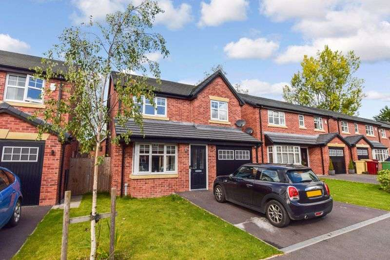 4 Bedrooms Property for sale in Bluebell Close, Harwood - Available with no chain