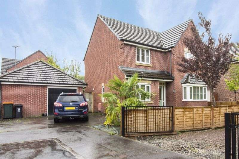 4 Bedrooms Property for sale in Iris Road Rogerstone, Newport