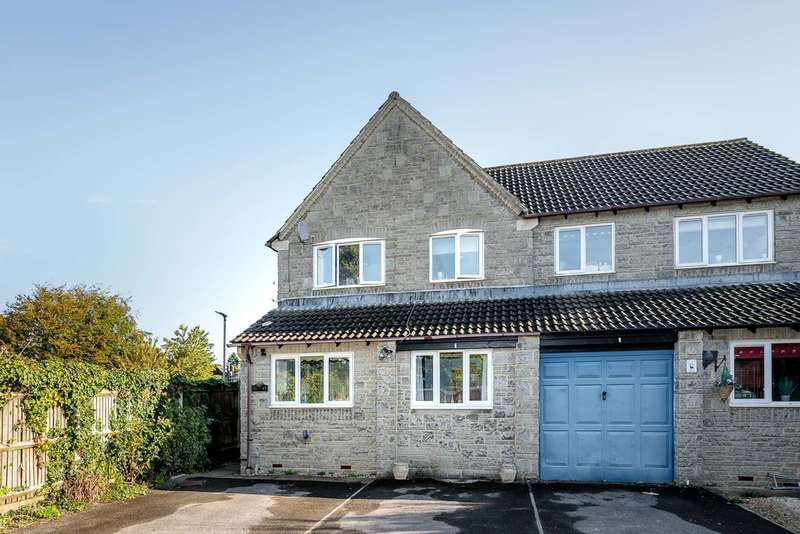 3 Bedrooms Semi Detached House for sale in Lych Gate Mews, Lydney
