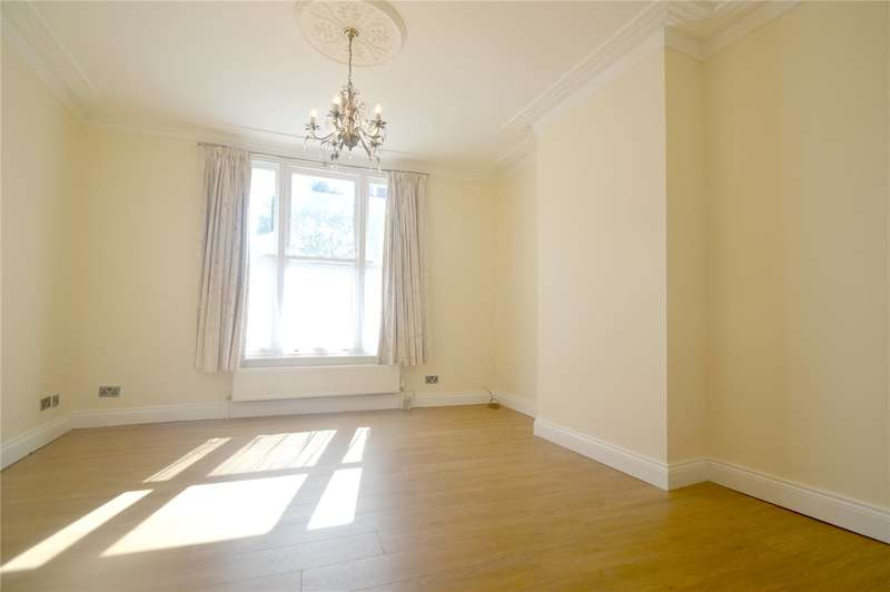 Apartment Flat for rent in Montague Road, Croydon