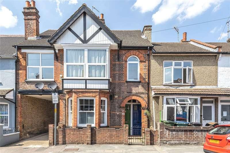 2 Bedrooms Maisonette Flat for sale in Benskin Road, Watford, Hertfordshire, WD18