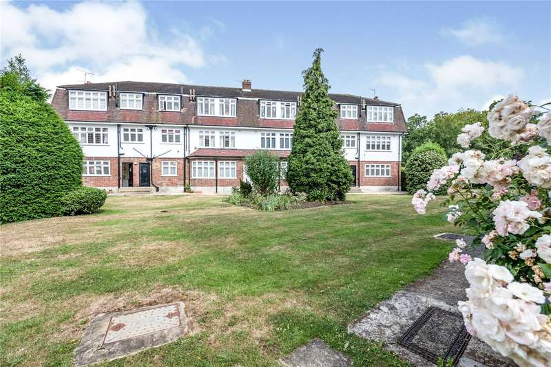 2 Bedrooms Flat for sale in Eagle Court, Hermon Hill, London, E11