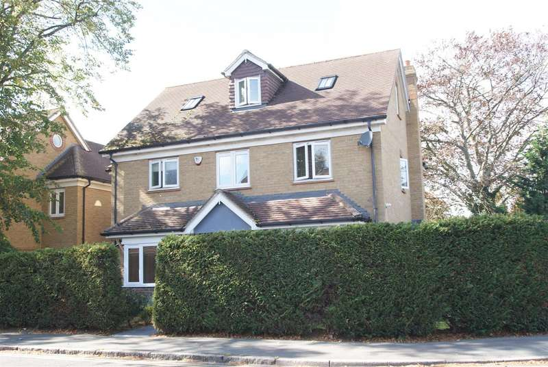 6 Bedrooms Detached House for sale in High Road, Rayleigh