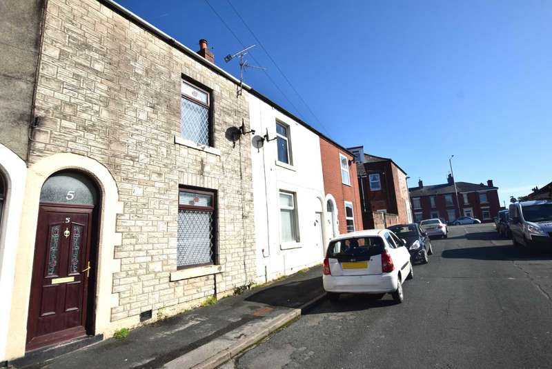 3 Bedrooms Terraced House for sale in Rawlinson Street, Wesham, PR4 3AS