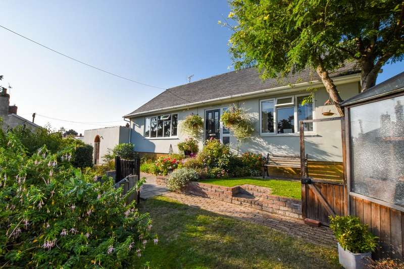 2 Bedrooms Detached Bungalow for sale in Sheldrakes, High Street, Wethersfield, BRAINTREE