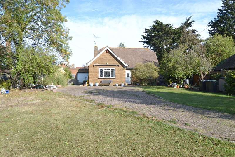 3 Bedrooms Detached Bungalow for sale in Chestfield Road, Chestfield, Whitstable