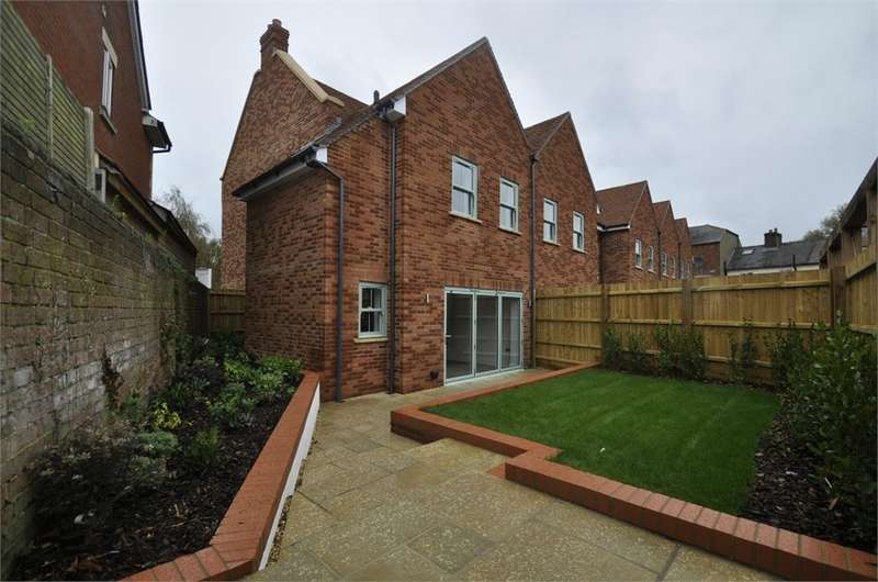 4 Bedrooms Semi Detached House for sale in Christchurch Road, RINGWOOD, Hampshire