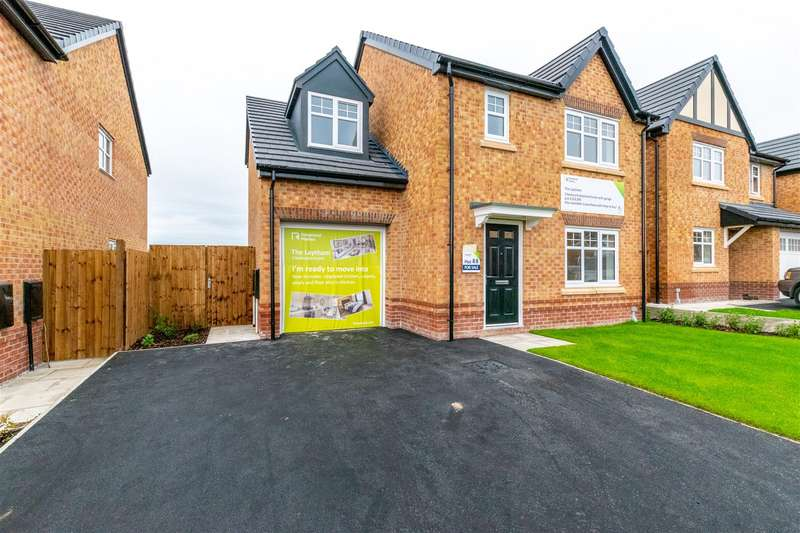 3 Bedrooms Detached House for sale in Gibfield Park Avenue, Atherton, Manchester