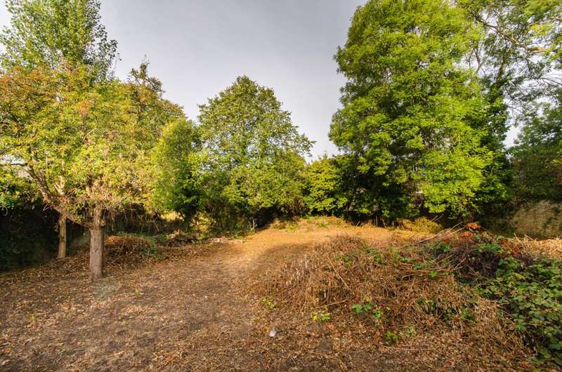 Land Commercial for sale in Aston Road, Ealing, W5