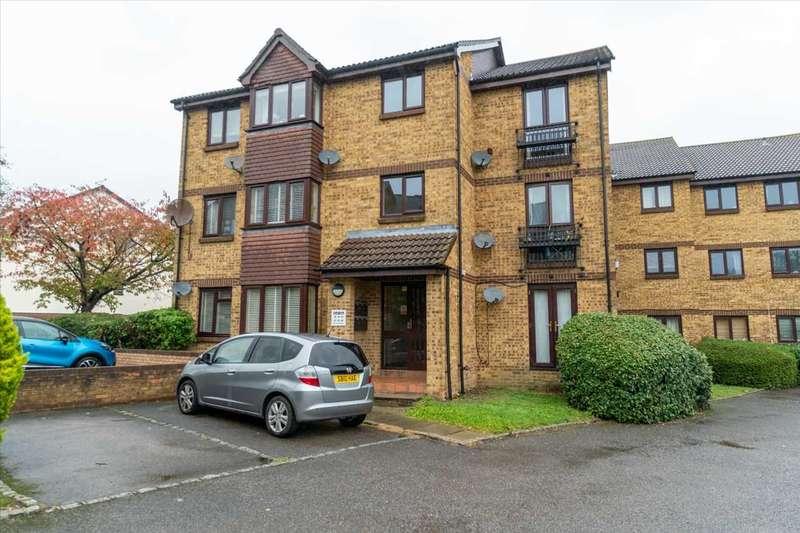 2 Bedrooms Apartment Flat for sale in Longacre Road, Ashford, Kent, TN23 5FS