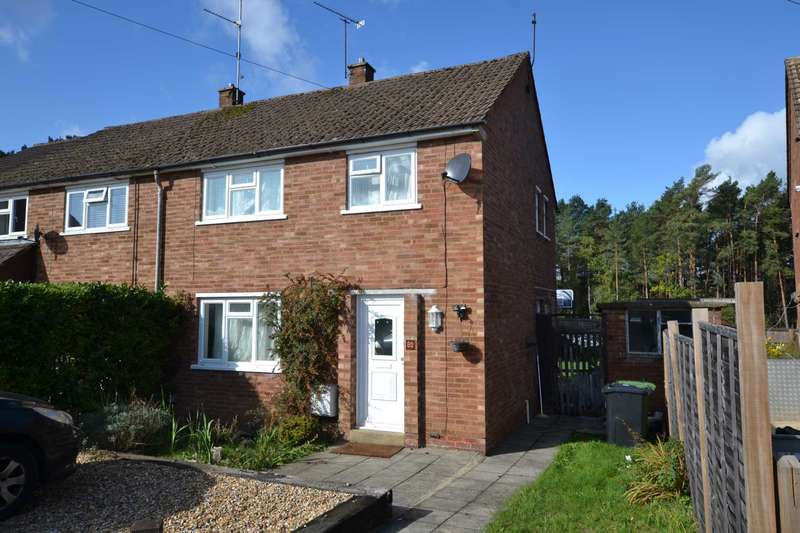 3 Bedrooms Semi Detached House for sale in Sutton Field, Whitehill, Hampshire, GU35