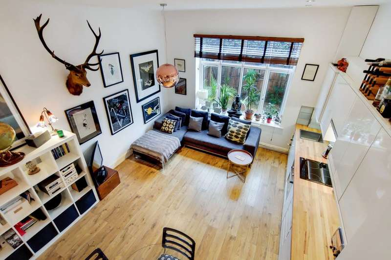 1 Bedroom Maisonette Flat for sale in Nightingale Road, Clapton, E5