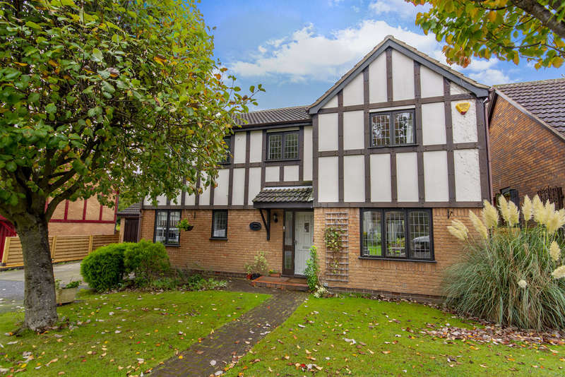 4 Bedrooms Detached House for sale in Hallfields, Edwalton, NG12 4AA