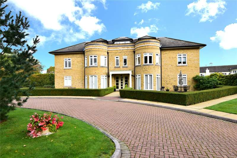 2 Bedrooms Flat for sale in Knights Green, Rickmansworth Road, Chorleywood, Herts, WD3