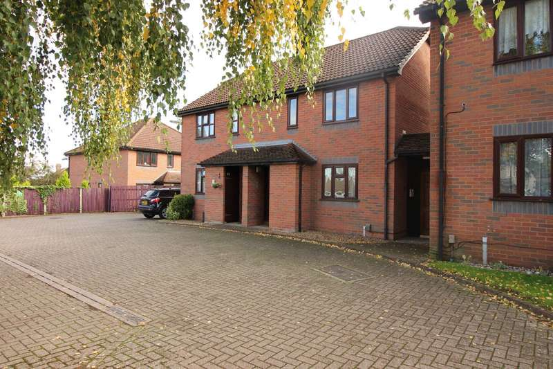 1 Bedroom Maisonette Flat for sale in Katherine Court, Dargets Road, Chatham, Kent, ME5