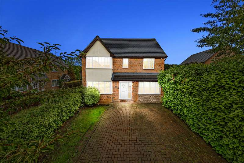 4 Bedrooms Detached House for sale in Mimosa Close, Langdon Hills, Basildon, SS16