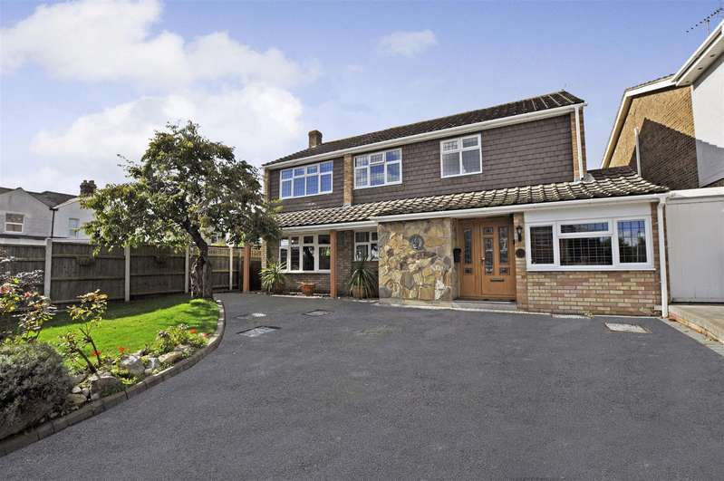 5 Bedrooms Detached House for sale in Bedford Close, Rayleigh