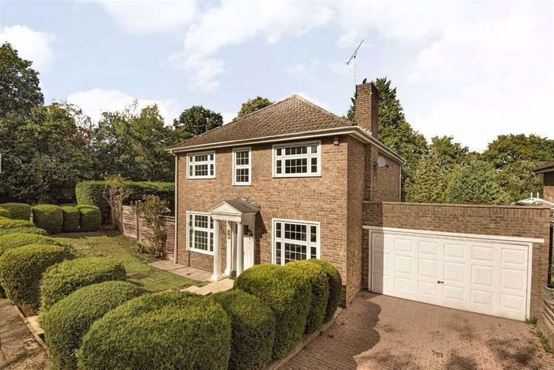 4 Bedrooms Detached House for sale in Greenacre Close, Hadley Highstone, Herts