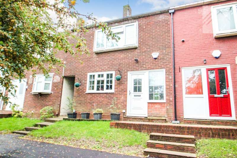 2 Bedrooms Terraced House for sale in Gobions, Basildon