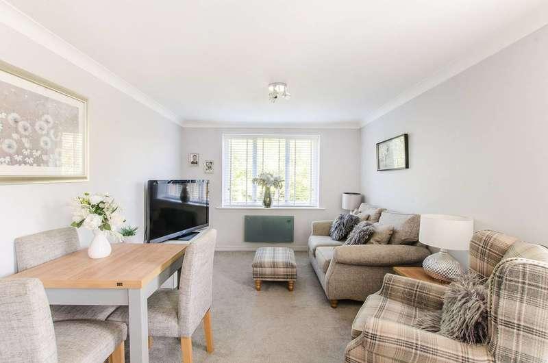 2 Bedrooms Flat for sale in Durham Avenue, Shortlands, BR2