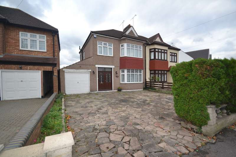 3 Bedrooms Property for sale in Clayhall Avenue, Ilford, IG5