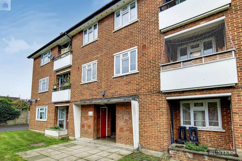 2 Bedrooms Flat for sale in Suffolk Road, Ilford, IG3