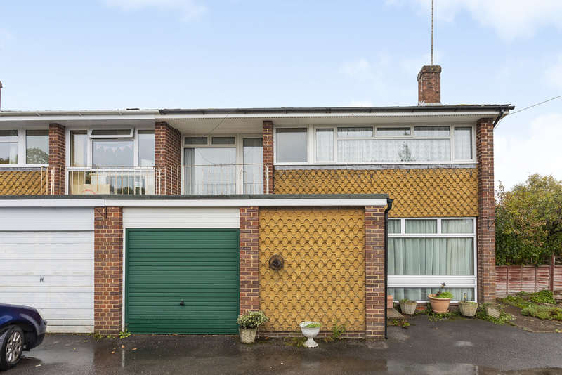 4 Bedrooms Semi Detached House for sale in The Pastures, Kings Worthy