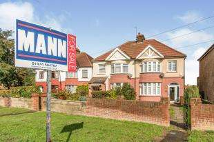 3 Bedrooms Semi Detached House for sale in Rochester Road, Gravesend, Kent, England
