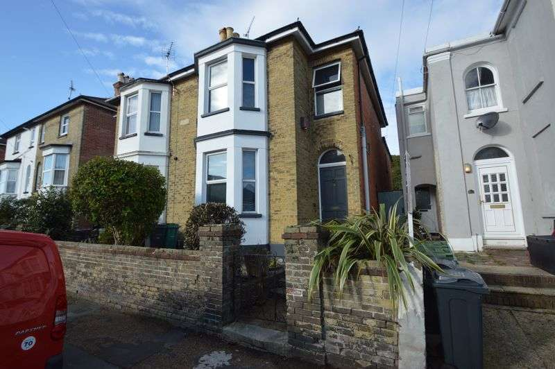 3 Bedrooms Property for sale in RYDE