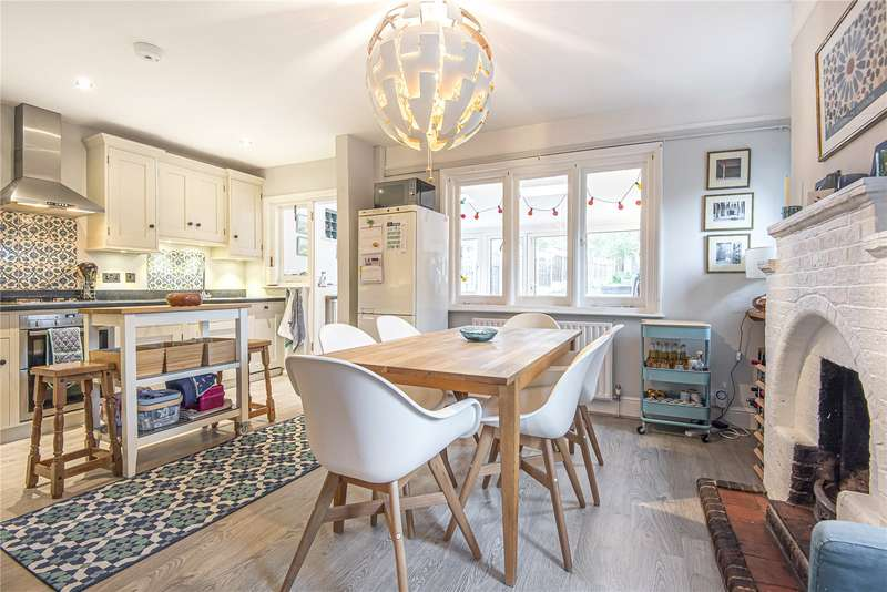 3 Bedrooms End Of Terrace House for sale in St. Ediths Road, Kemsing, Sevenoaks, Kent