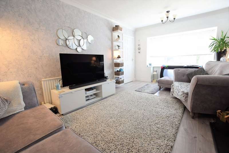 3 Bedrooms Semi Detached House for sale in Midgeland Road, Blackpool