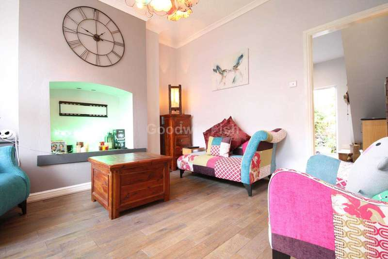 2 Bedrooms Terraced House for sale in Evans Street, Salford