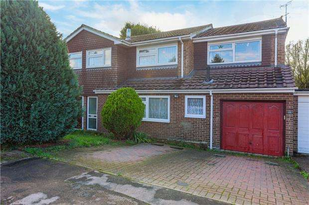 4 Bedrooms Semi Detached House for sale in Marshall Close, Feering, Essex