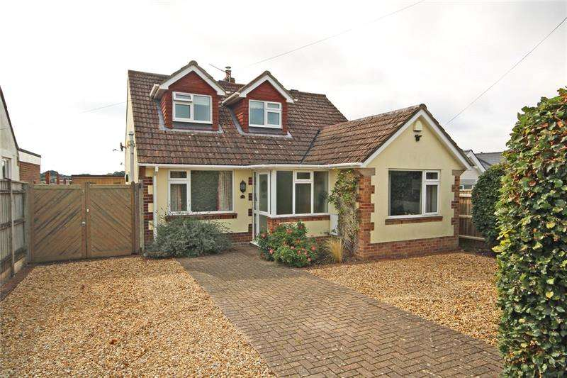4 Bedrooms Bungalow for sale in Lavender Road, Hordle, Lymington, Hampshire, SO41