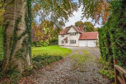 4 Bedrooms Detached House for sale in Stanboro Lane, Elmstone, Hardwicke, Cheltenham