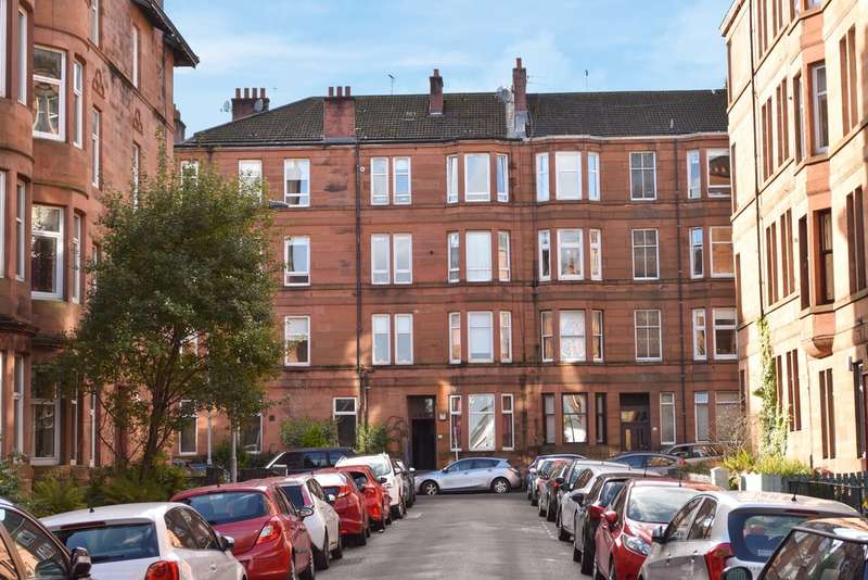 2 Bedrooms Flat for sale in 23 Apsley Street, Partick