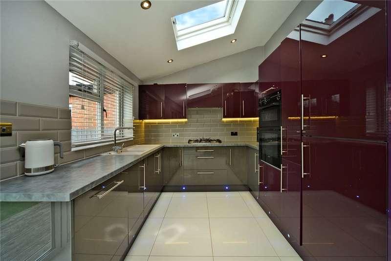 3 Bedrooms Semi Detached House for sale in Hazlemere Gardens, Worcester Park, KT4