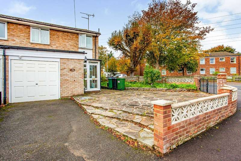 3 Bedrooms Semi Detached House for sale in Douglas Avenue, Watford, Hertfordshire, WD24