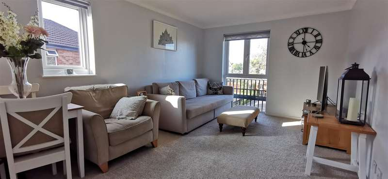 2 Bedrooms Flat for sale in Harvest Way, ASHFORD