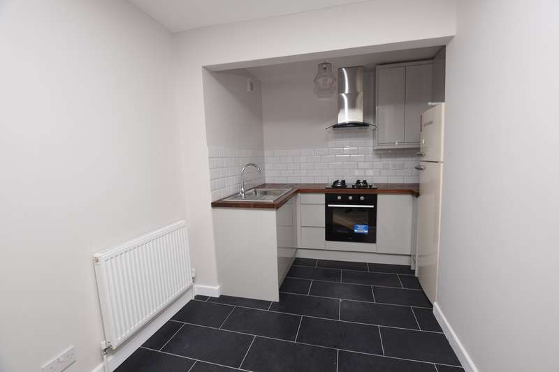 2 Bedrooms Flat for rent in Calthorpe Road, Banbury, OX16