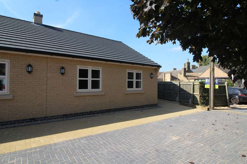 2 Bedrooms Bungalow for rent in Whitmore Street, Whittlesey, PE7