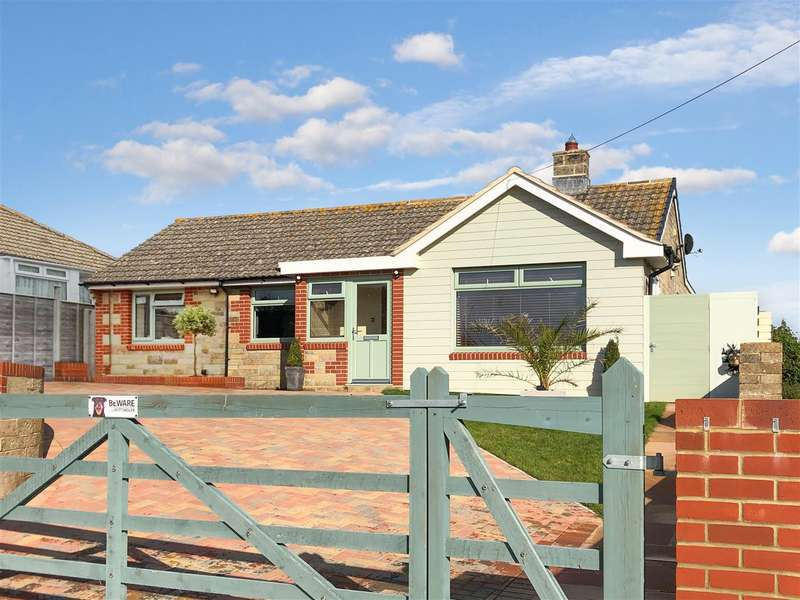 4 Bedrooms Detached Bungalow for sale in Galley Lane, Brighstone