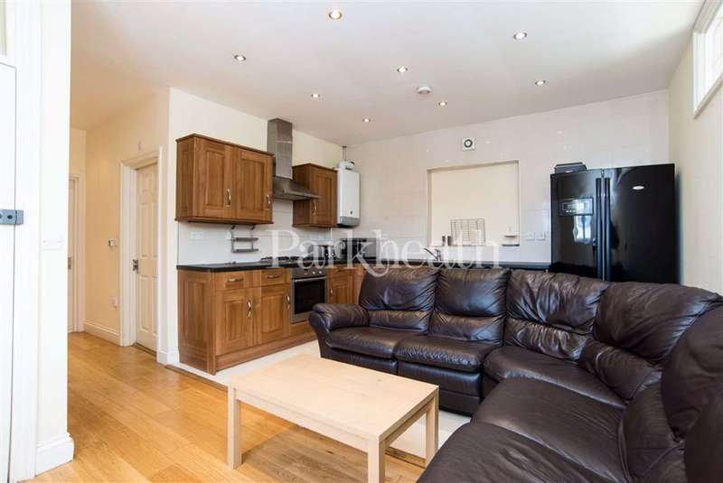 4 Bedrooms Flat for rent in Camden Road, Holloway, London