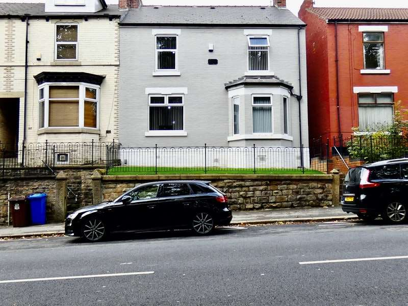 3 Bedrooms End Of Terrace House for sale in Firth Park Road, Sheffield, South Yorkshire, S5