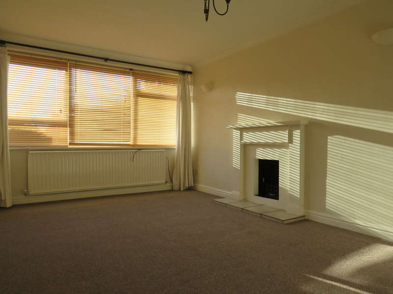 2 Bedrooms Ground Maisonette Flat for rent in Rednall Drive, Four Oaks