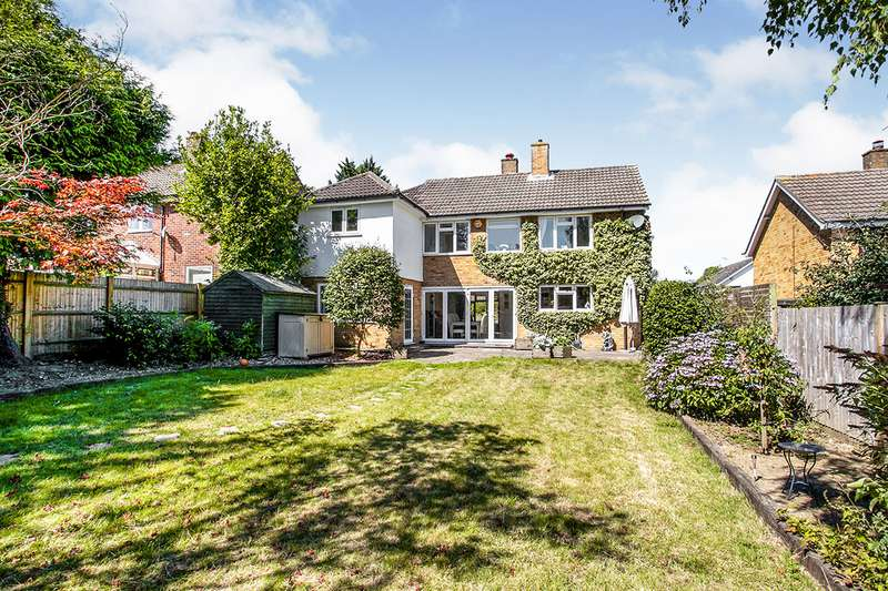 4 Bedrooms Detached House for sale in Woodhill Park, Pembury, Tunbridge Wells, Kent, TN2