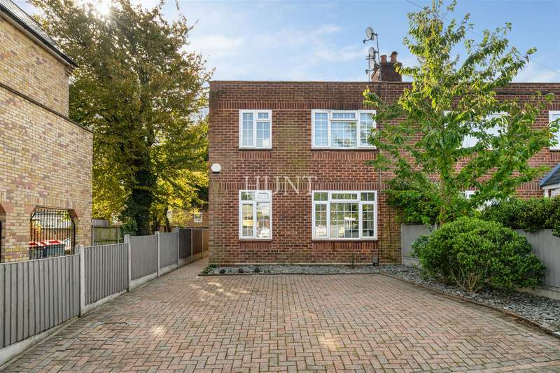 3 Bedrooms Semi Detached House for sale in Westbury Lane, Buckhurst Hill IG9