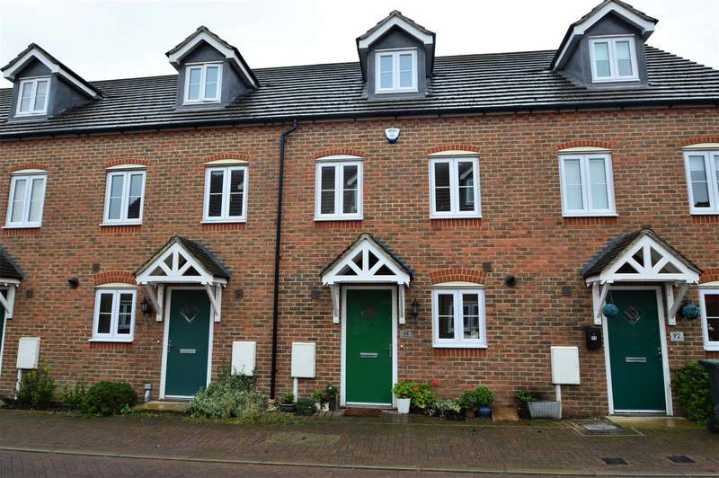 3 Bedrooms Terraced House for sale in Brampton Field, Ditton